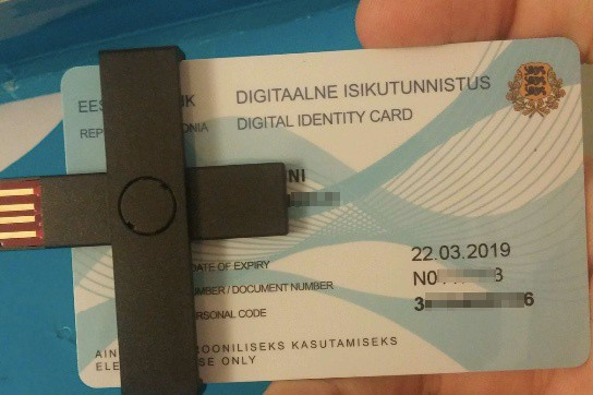 e-estonia card and usb connected